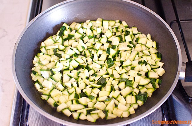 Paccheri ripieni di ricotta prosciutto e zucchine