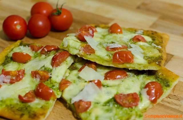 pizza pesto e scaglie
