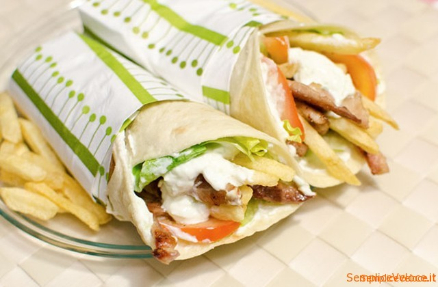 Gyros pita il kebab greco