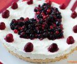Cheesecake al limone con frutti di bosco