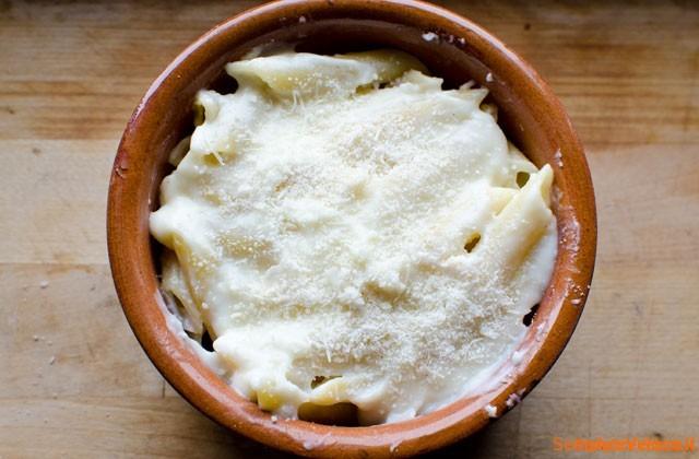 Pasta al forno besciamella e prosciutto