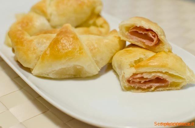 cornetti_salati_prosciutto_e_formaggio