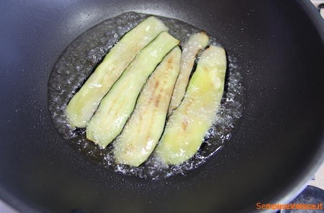 Involtini di melanzane con provola