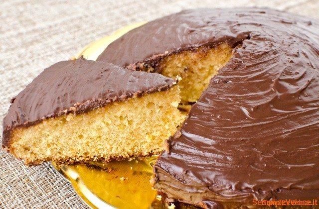 torta_arancia ricoperta al cioccolato_