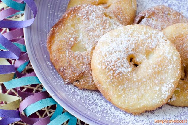 Frittelle di mele ricetta di carnevale