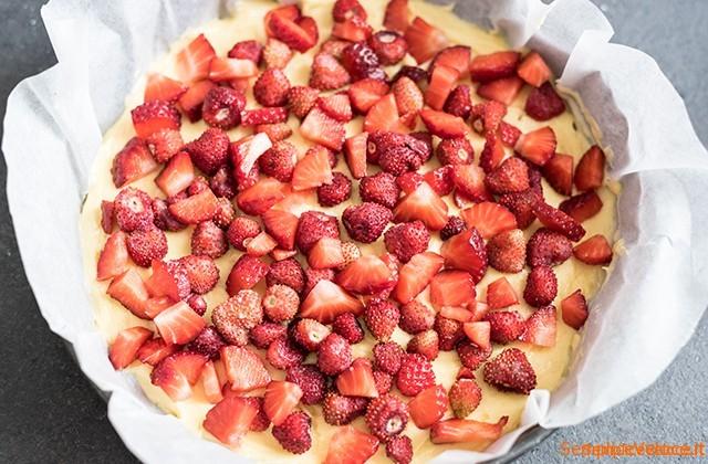 Crumb cake alle fragole e fragoline