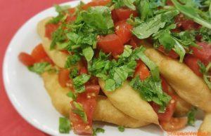 Straccetti di pizza con pomodorini fritti ricetta