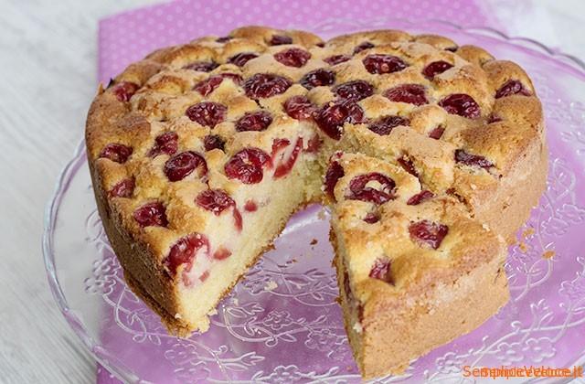 fetta_torta_morbida_alle_ciliegie