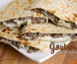 Gozleme_pane_turco_ripieno_ricetta-veloce
