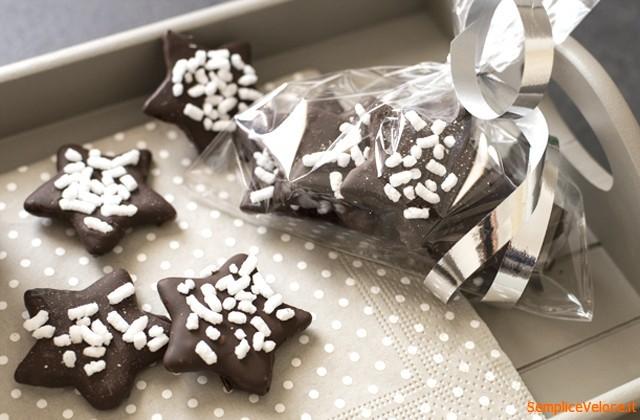 biscotti_ricoperti_di_cioccolato_ricetta_Semplice_e_veloce