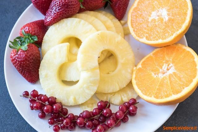 Frullato detox ananas e fragole