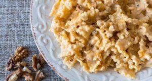 Pasta zucca formaggio e noci
